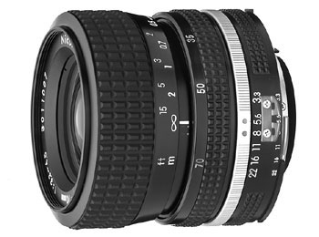 35-70mm f/3.3-4.5 Zoom-Nikkor